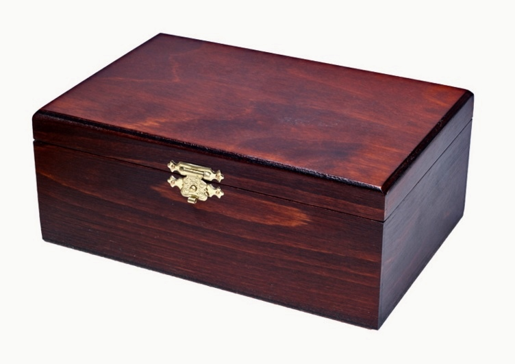 BRAND NEW♚ OUTSTANDING WOODEN STORAGE BOX ♚