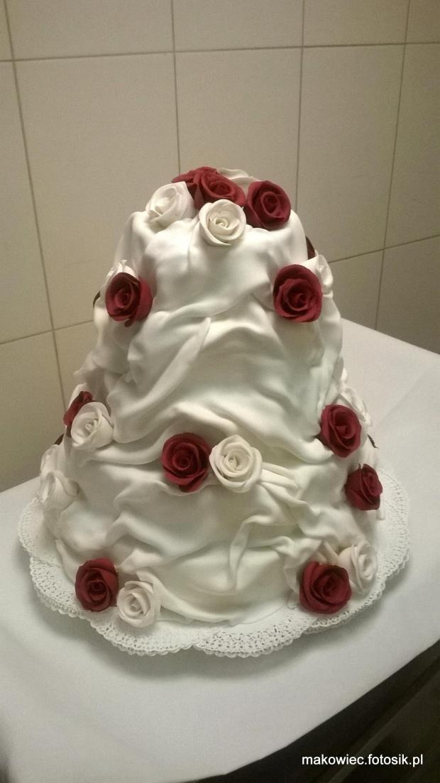 Weselny 20 kg #tort #weselny #torty #weselne #tort #okazjonalny #tort na #specjalne #okazje #róże #kwiaty #weselne #ozdoby
