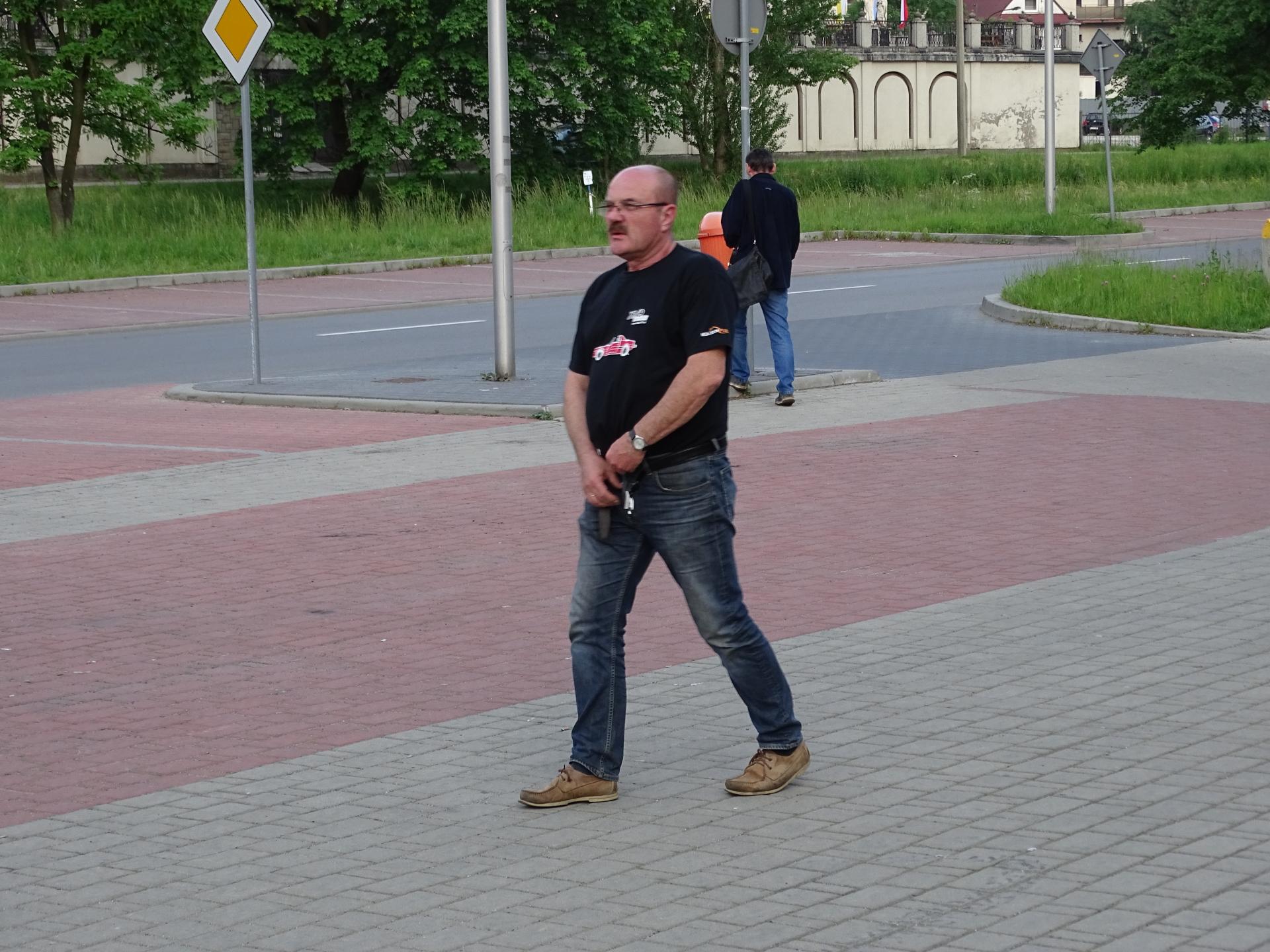 http://images72.fotosik.pl/481/8d65ee475fe5bf64.jpg