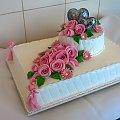 Tort weselny z sercami #tort #weselny #tort #okazjonalny #tort na #specjalne #okazje #róże #kwiaty