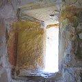 okno i niesamowita grubosc murow