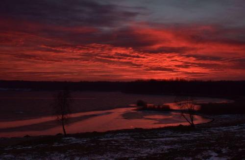 Tak było wczoraj o zachodzie nad jeziorem Chechło-Nakło